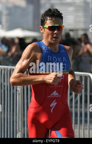 Rio de Janeiro, Brasile, 2 agosto 2015. Javier Gomez Noya (ESP), in esecuzione per vincere il 2015 Rio de Janeiro Foto Stock