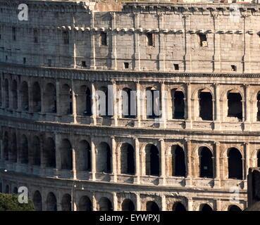 Dettaglio del Colosseo, Sito Patrimonio Mondiale dell'UNESCO, Roma, Lazio, l'Italia, Europa Foto Stock