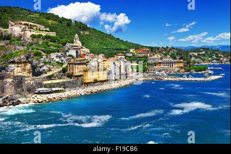 Portovenere - bellissimo villaggio colorato in Liguria Cinque Terre. Italia Foto Stock
