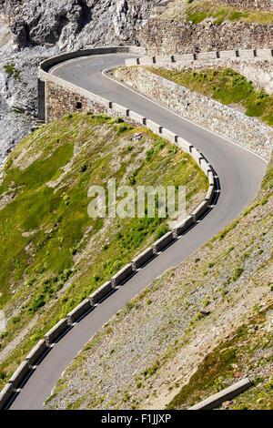 Mountain Pass Stelvio o Passo dello Stelvio Strada, Val Venosta, Provincia del Sud Tirolo, Italia Foto Stock