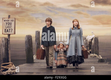 LEMONY SNICKET una serie di sfortunati eventi 2004 film con da sinistra: Liam Aiken, Shelby Hoffman, Emily Browning Foto Stock