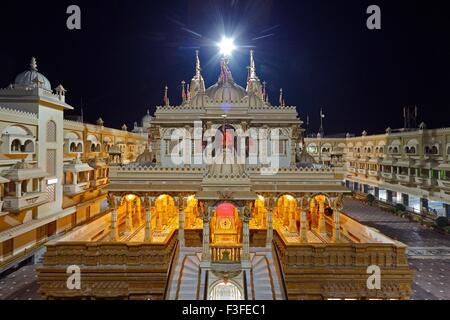 Patrimonio swaminarayan Baps tempio quasi 100 anni costruito da shashtriji maharaj del settore ; Bochasan ; Gujarat Foto Stock