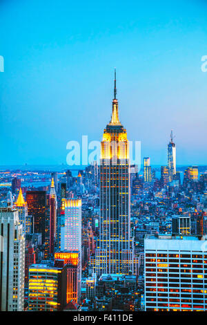 New York City cityscape di notte Foto Stock