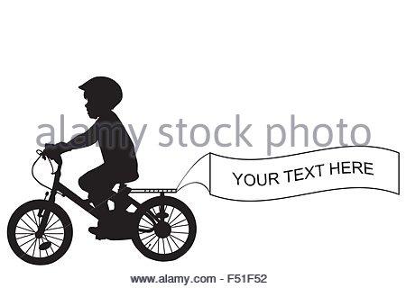 Silhouette di capretto in sella a una moto e tenendo un banner con posto per un testo di esempio Foto Stock