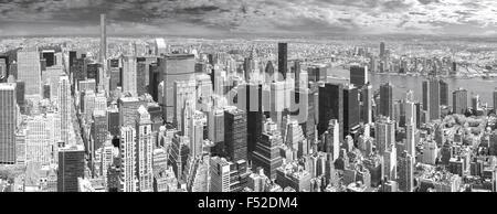 In bianco e nero di alta qualità vista panoramica di Manhattan, New York, Stati Uniti d'America. Foto Stock