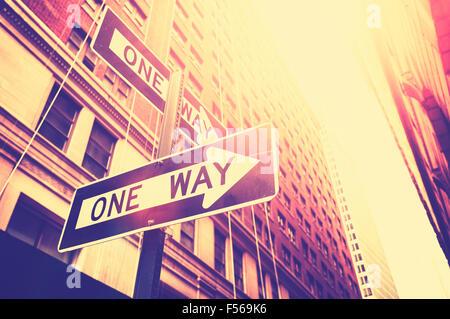 In stile vintage foto di un modo segni a Manhattan, New York, Stati Uniti d'America. Foto Stock