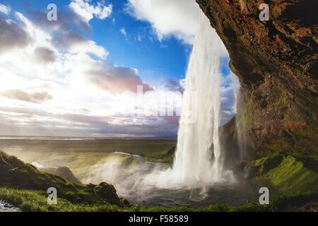 Splendido panorama mozzafiato da Islanda, Seljandafoss cascata Foto Stock