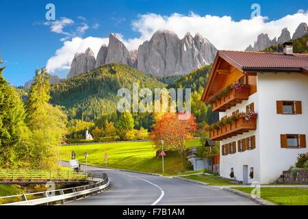 Val di Funes, Provincia del Tirolo, alpi, Dolomiti, Italia Foto Stock