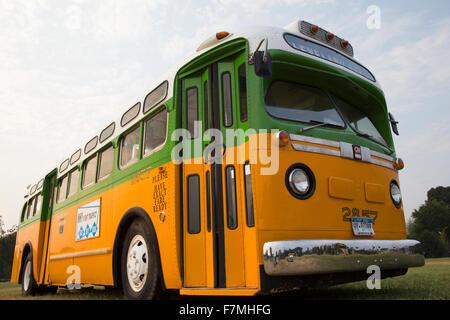 Ripristinato il bus Rosa Parks sat nel Dicembre 1, 1955 da Montgomery in Alabama su Cleveland Avenue, è visto a Washington D.C. National Mall, per il cinquantesimo anniversario della marcia su Washington e Martin Luther King I Have A Dream Speech