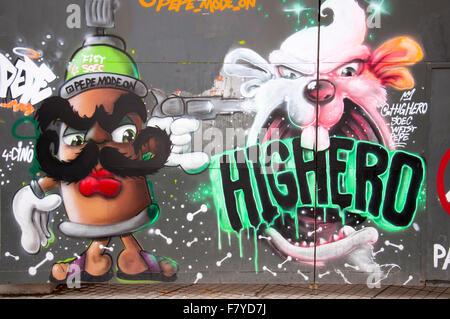 Dettaglio di freschi e colorati graffiti sul muro in Viale Istiklal, Istanbul, Turchia Foto Stock