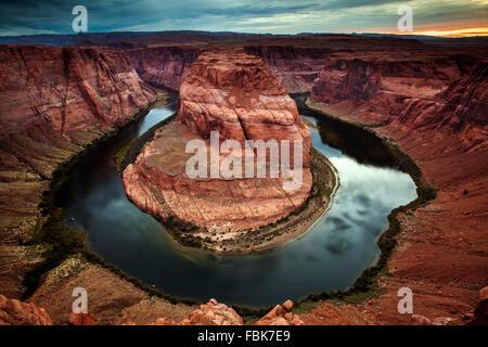 Curva a ferro di cavallo, Colorado River vicino a pagina, Arizona