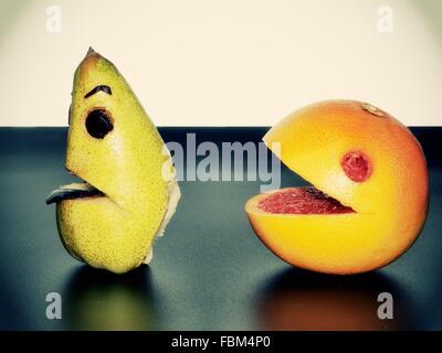 Close-Up di frutta sul tavolo Foto Stock