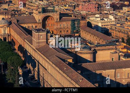 Vista aerea della Città del Vaticano e a Roma, Italia Foto Stock