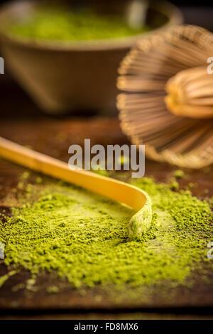 Tè verde Matcha polvere con cucchiaio Foto Stock