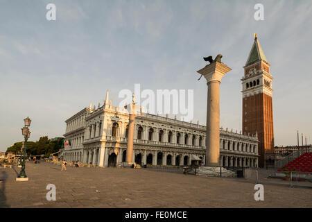 La Biblioteca Nazionale Marciana ( Biblioteca Nazionale di San Marco), il Campanile di San Marco ( San Marco campanile) Foto Stock