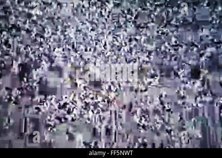Schermo tv con rumore di statica, cattiva ricezione del segnale Foto Stock