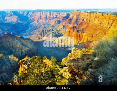 Grand Canyon,pendii ripidi canyon scavate dal fiume Colorado in Arizona. Abitata da nativi indiani americani, 277 Foto Stock