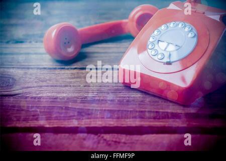 Immagine composita di blu e rosa spot luminoso design Foto Stock