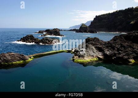 Geografia / viaggi, Portogallo, Madera, Seixal, natura piscina, Oceano Atlantico, Additional-Rights-Clearance-Info Foto Stock