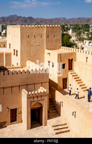 La Nizwa Fort, Nizwa, Ad Dakhiliyah Regione, Oman Foto Stock