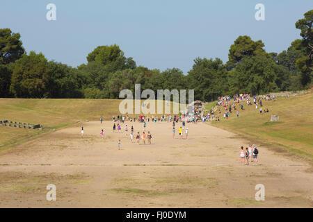 Olympia, Peloponneso e Grecia. Antica Olympia. Lo stadio dove gli eventi atletici erano detenuti. Foto Stock