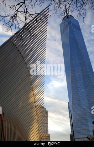World Trade Center oculo e libertà Tower, New York City, NY, STATI UNITI D'AMERICA Foto Stock