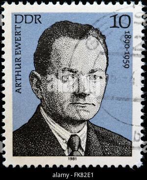 Tedesco Repubblica Democrratic -circa 1981: una stam stampato in Germania Est mostra Arthur Ewert , circa 1981