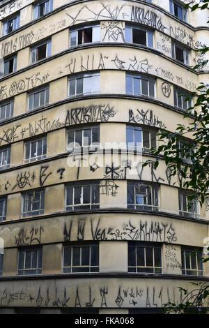 Facciata di edificio abbandonato in Rua Barao de Itapetininga downtown Foto Stock