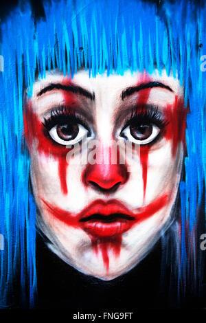 Faccia di graffiti sul muro, Poble Sec, Barcelona , Spagna Foto Stock