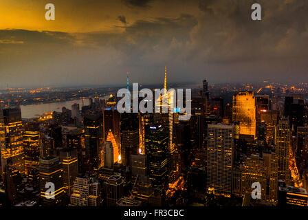 Vista verso West New york attraverso Fiume Hudson da Empire State Building di New York City, Stati Uniti d'America. Foto Stock