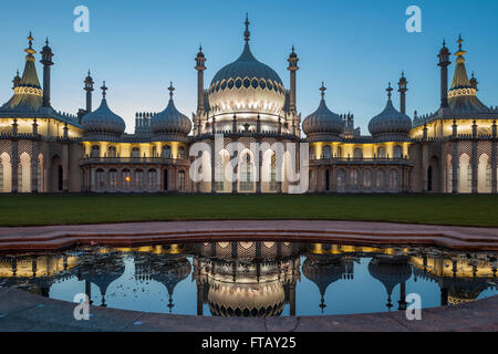 Serata al Royal Pavilion in Brighton, East Sussex, Inghilterra. Foto Stock