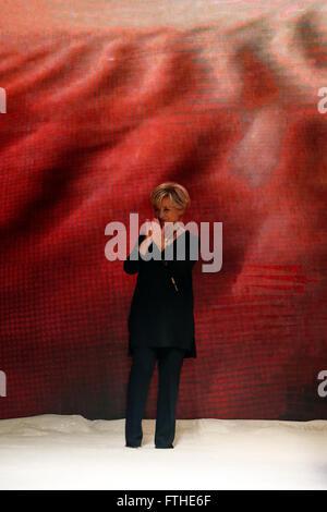 Alberta Ferretti Milano pronto a indossare in autunno e inverno ... 847d1e9668c