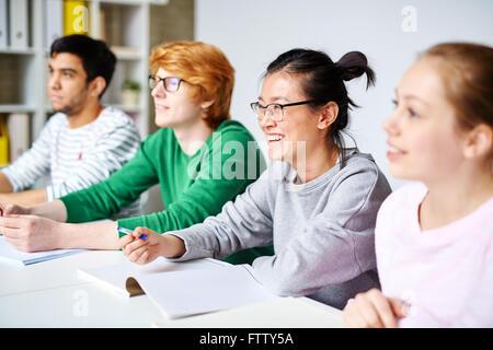 Gli studenti a lezione Foto Stock