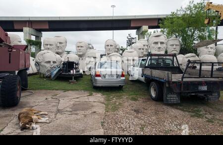 Marzo 30, 2016 - Houston, Texas, Stati Uniti - Teste presidenziali dello scultore David Adickes sono memorizzati al Adickes Sculpturworx Studio fino ad un punto di tempo quando una casa permanente è trovata per loro.(Immagine di credito: © Brian Cahn via ZUMA filo)