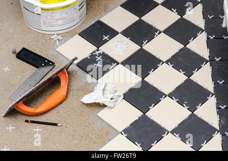 Fai da te la posa in opera di un pavimento in piastrelle a casa