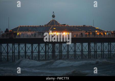 Il Brighton Pier e Brighton, Inghilterra, Foto Stock