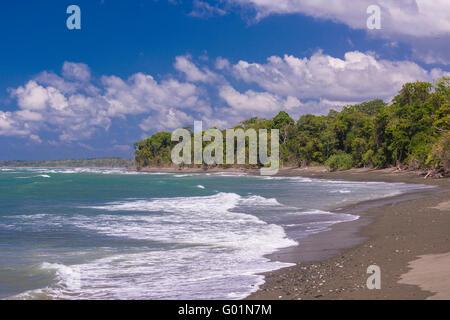 Parco nazionale di Corcovado, COSTA RICA - Spiaggia sull'Oceano Pacifico, osa penisola. Foto Stock