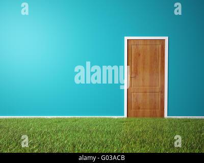 Camera con porta di legno e un'erba pavimento coperto Foto Stock