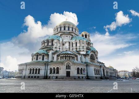 Vista generale della famosa chiesa ortodossa bulgara della Cattedrale Alexander Nevsky costruito nel 1882 a Sofia, Foto Stock