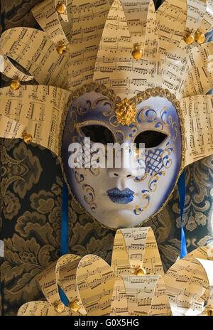 Porcellana e maschera di carta. Venezia. Italia Foto Stock