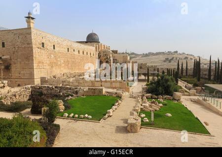 La Moschea di Al-Aqsa sul Monte del Tempio con il Parco Archeologico e il monte degli Ulivi, Gerusalemme, UNESCO, Foto Stock