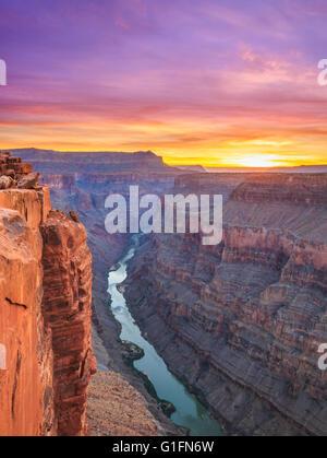 Alba sul fiume Colorado in toroweap si affacciano nel parco nazionale del Grand Canyon, Arizona Foto Stock