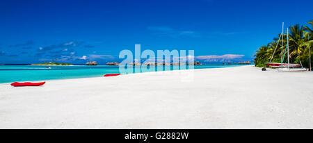 Spiaggia stupefacente panorama delle Maldive Foto Stock