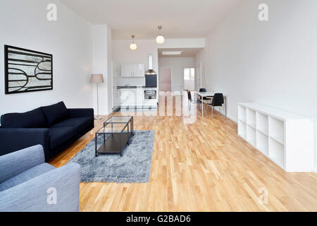 Moderno concetto aperto loft spazio per uffici con grandi for Concetto aperto cucina soggiorno