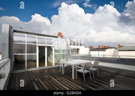 Conversione di dach o soppalco in reichenberger strasse kreuzberg camera da letto moderno con - Stanza da pranzo contemporanea ...