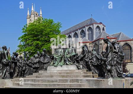 Un monumento per i fratelli Van Eyck, Jan e Hubert, pittori della pala di Gand / adorazione del mistico Agnello Foto Stock