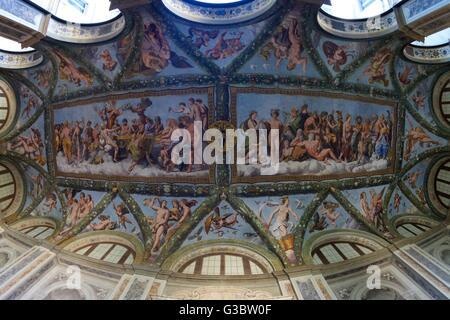 Affreschi sul soffitto, 1517-1518, loggia di Amore e Psiche, Villa Farnesina, Roma, Italia, Europa Foto Stock