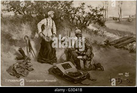 """WW1 - """"La Piccola cameriera tedesca' - spionaggio tedesco - un soldato tedesco si prepara a entrare nel mascherare Foto Stock"""