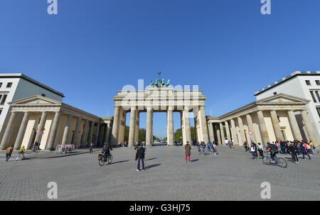 Brandenburger Tor, Pariser Platz, nel quartiere Mitte di Berlino, Deutschland Foto Stock