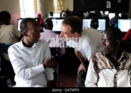 KENYA Turkana regione, campo di rifugiati di Kakuma, Jesuit Refugee Service, un corso di formazione informatica Foto Stock